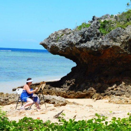 Painting on the beach Fiji art course